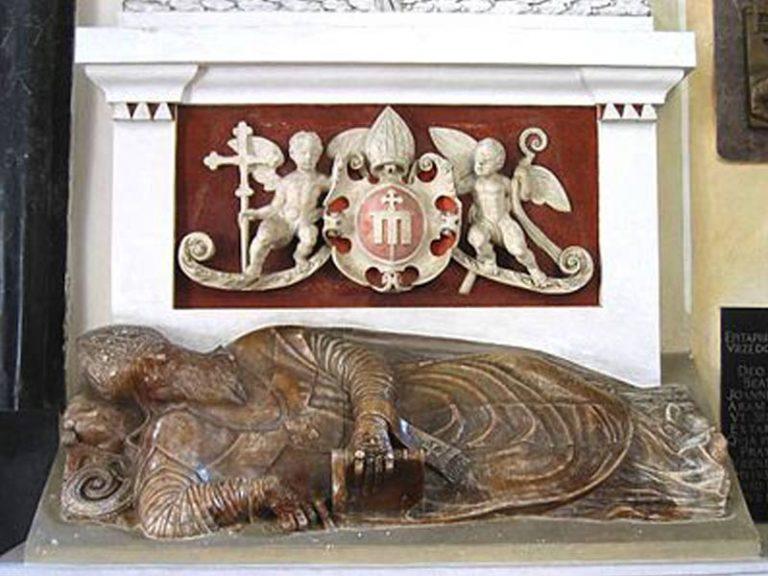 Tombe du Primat de Pologne Jakob Uchanski dans la cathédrale de Lowicz , 1580.