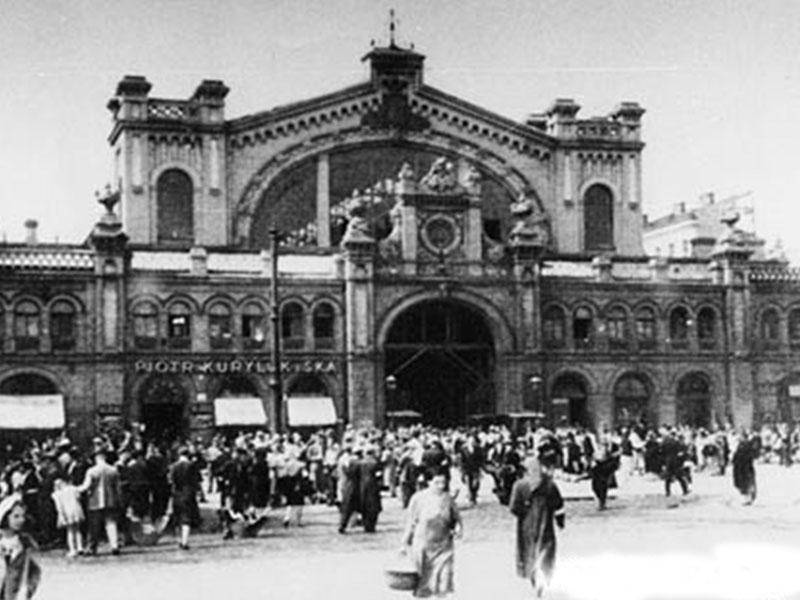 Varsovie. Hala Mirowska en 1940.
