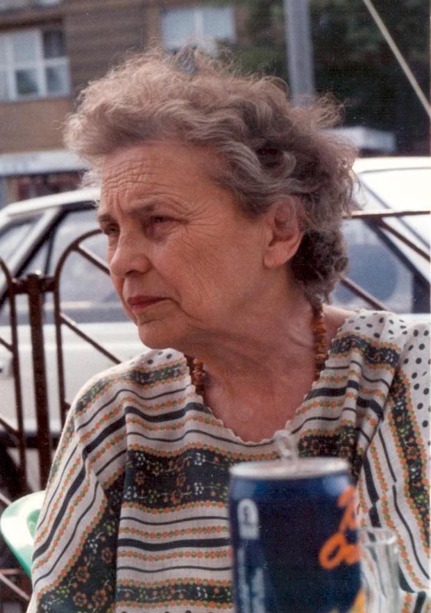 Barbara Tietiajew. Sur une terasse d'un café, Varsovie, env. 1990.